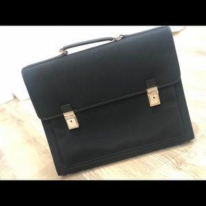"""GUCCI 17"""" Flap W/Silvertone Locks  Briefcase Bag"""